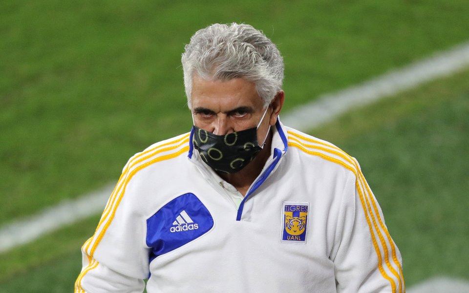 Треньорът на Тигрес - Рикардо Ферети,е отстранен за един мач