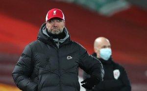Жестока разправия на Ливърпул и Бърнли между мениджърите (видео)