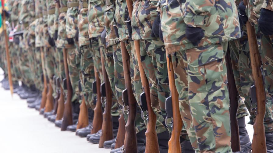 Със зрелищен екшън клип МО рекламира военната професия