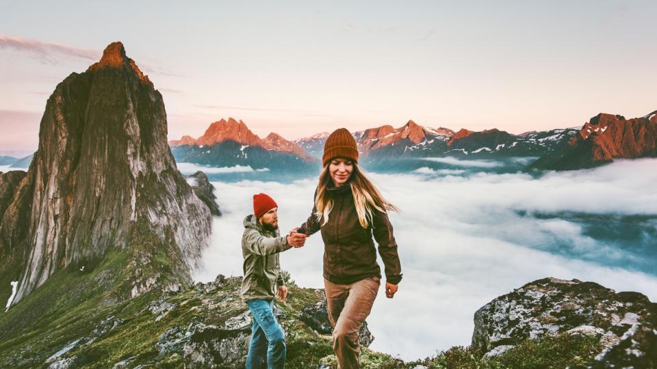 двойка любов пътуване пътешествие планина природа