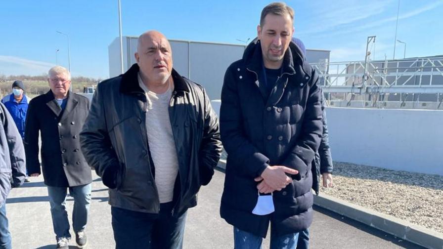 Премиерът Бойко Борисов и финансовият министър Кирил Ананиев на посещение в Ямбол