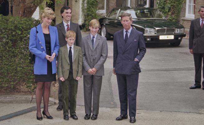 Принцеса Даяна със синовете си принц Хари, принц Уилям и съпруга си принц Чарлз