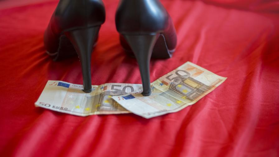 <p>Проституцията &ndash; бизнес за милиони на ръба на закона</p>