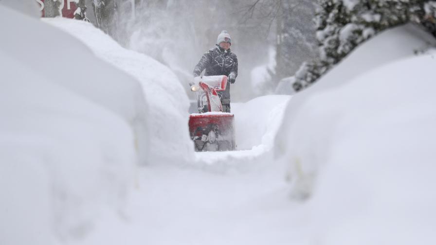 В САЩ: Студ, сняг, торнада, най-малко 20 жертви