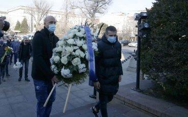 Левски почете паметта на Апостола на свободата (видео + снимки)