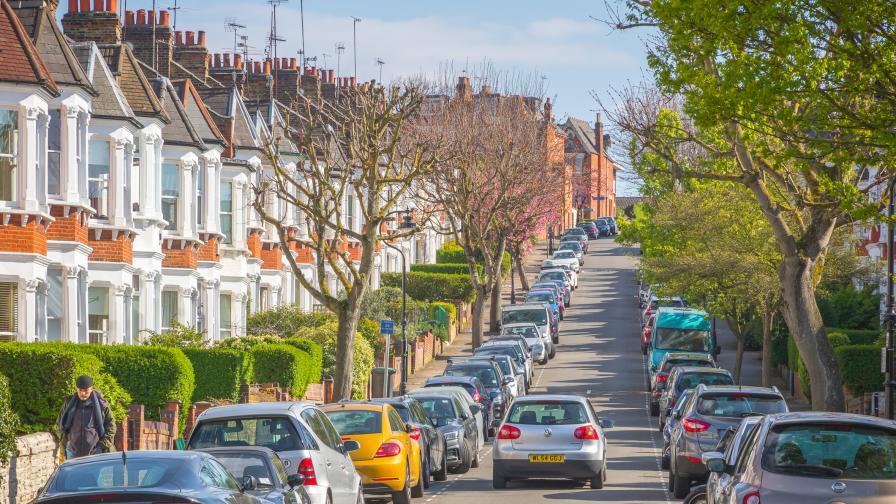 Дават до 3000 лири на британците да се откажат от колите си