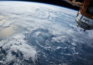 Русия изстреля спътник за наблюдение на климата