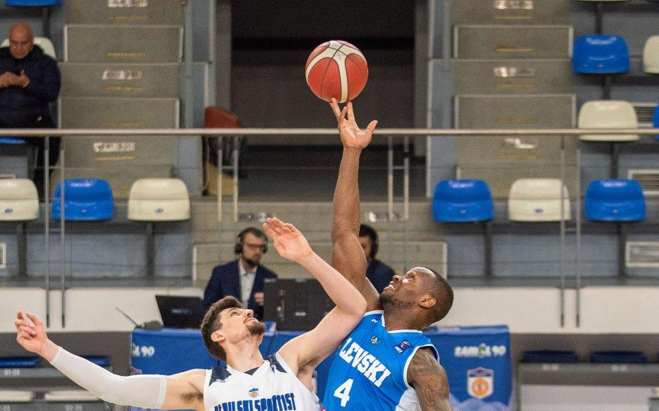 Рилски спортист запази еднолично първото място в Националната баскетболна лига