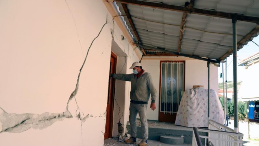 <p>След труса в Гърция: Разрушения, призоваха хората да не се връщат в домовете си</p>