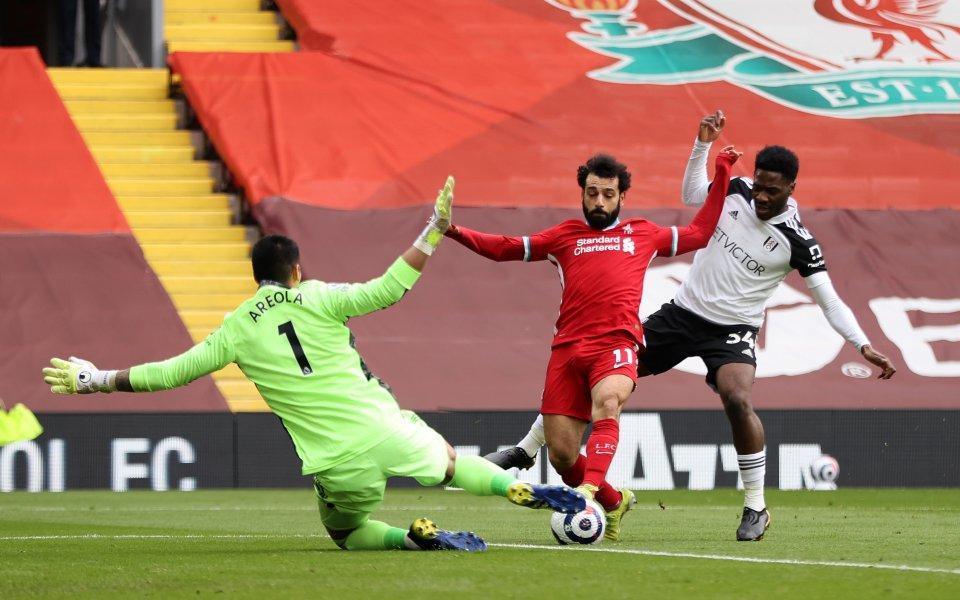 Ливърпул и Фулъм играят при резултат 0:1в мач от 27-ия