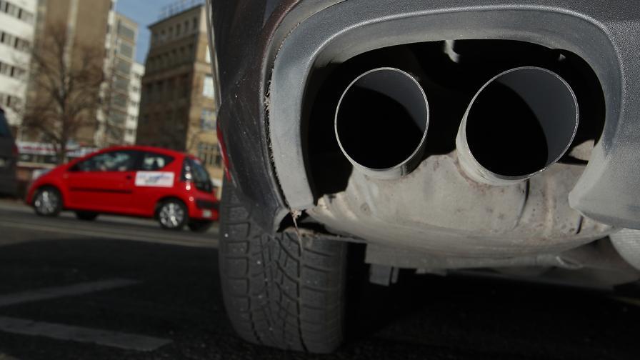 <p>Още една държава ще забрани автомобилите с ДВГ</p>