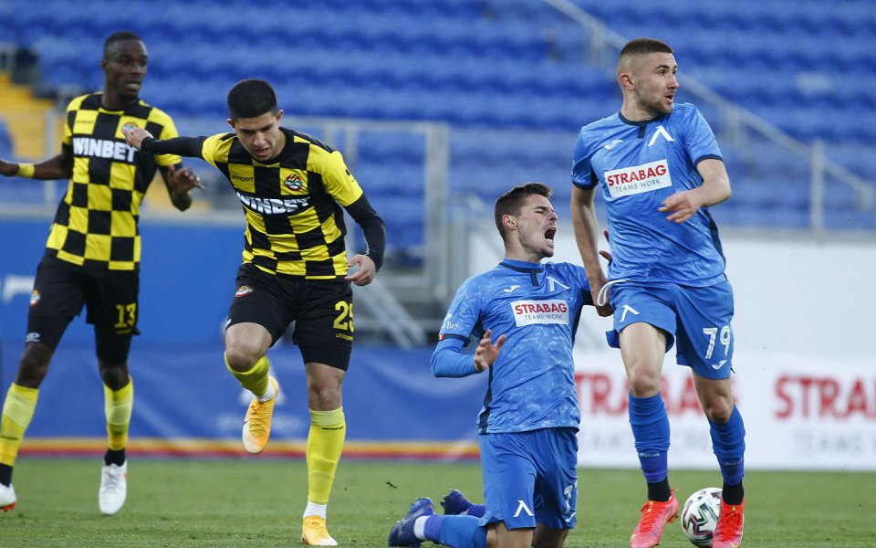 Ботев Пловдив приема Левски във втори мач от плейофната фаза