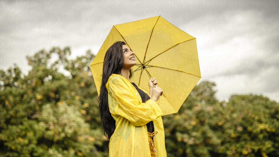 дневен жена дъжд