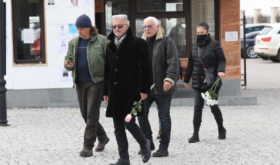 <p>Поклонение пред великия музикант Косьо Марков</p>
