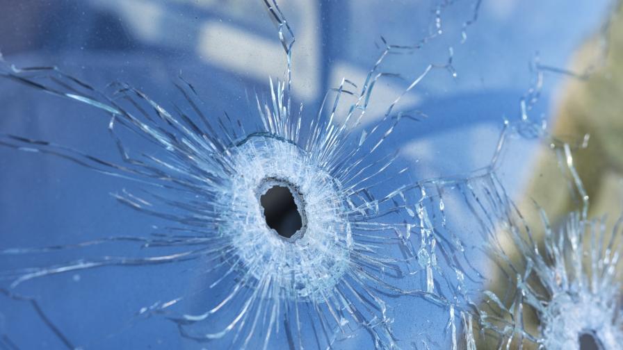 Екшън в Димитровградско, стреляха по къщата на бивш кмет