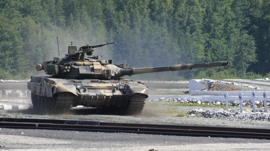 Мащабно движение на руски войски до границите на Украйна