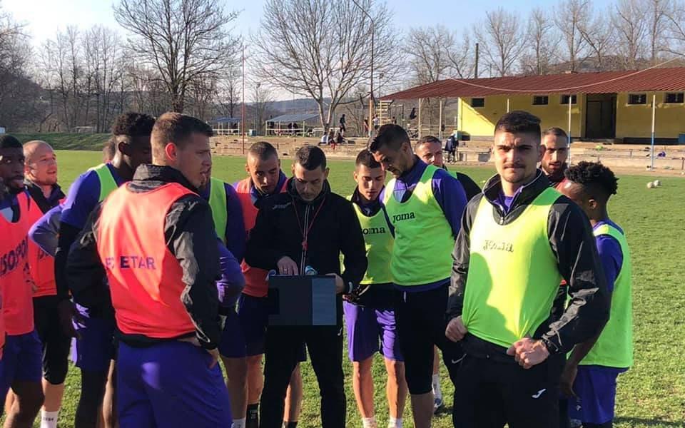 Треньорът на Етър Александър Томаш е възстановен от коронавируса и