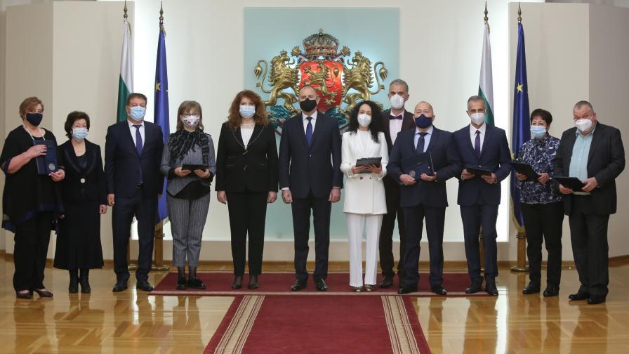 <p>Президентът Радев: Здравната ни система се нуждае от лечение</p>