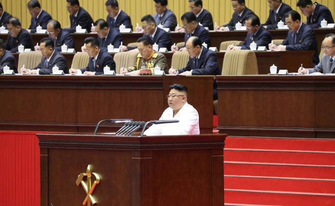 Ким призна: Ситуацията в КНДР никога не е била толкова тежка