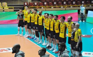 Волейболен национал продължава с Хебър