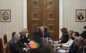Президентът Радев пита