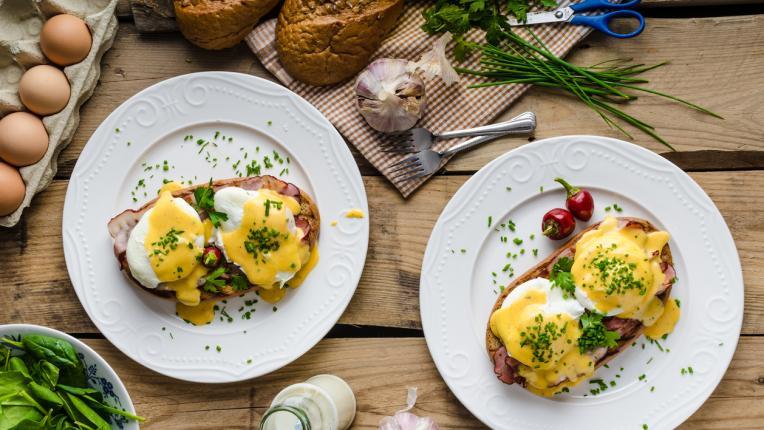 Яйца по Бенедиктински – една класика с много истории