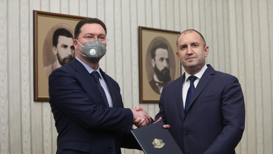 <p>Даниел Митов обяви от кои партии ще търси подкрепа</p>