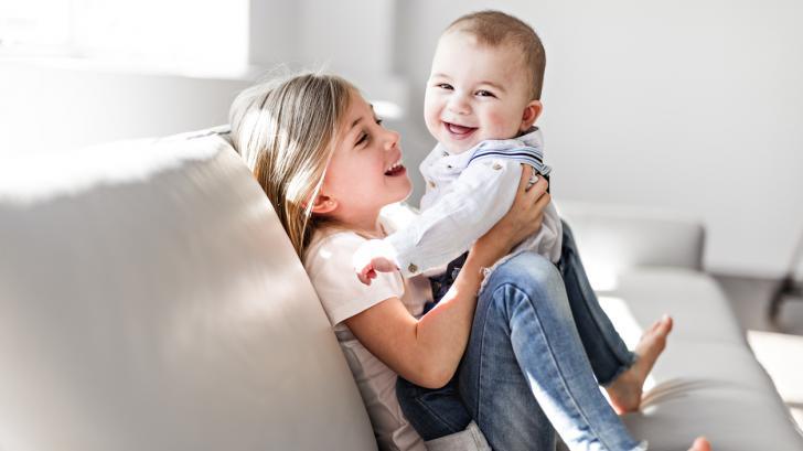 Как да преодолеем ревността на по-голямото дете към по-малкото