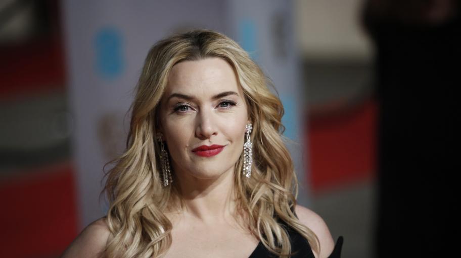 Без никой да знае, че е дъщеря на Кейт Уинслет, най-голямото дете на актрисата вече започна кариерата си в киното