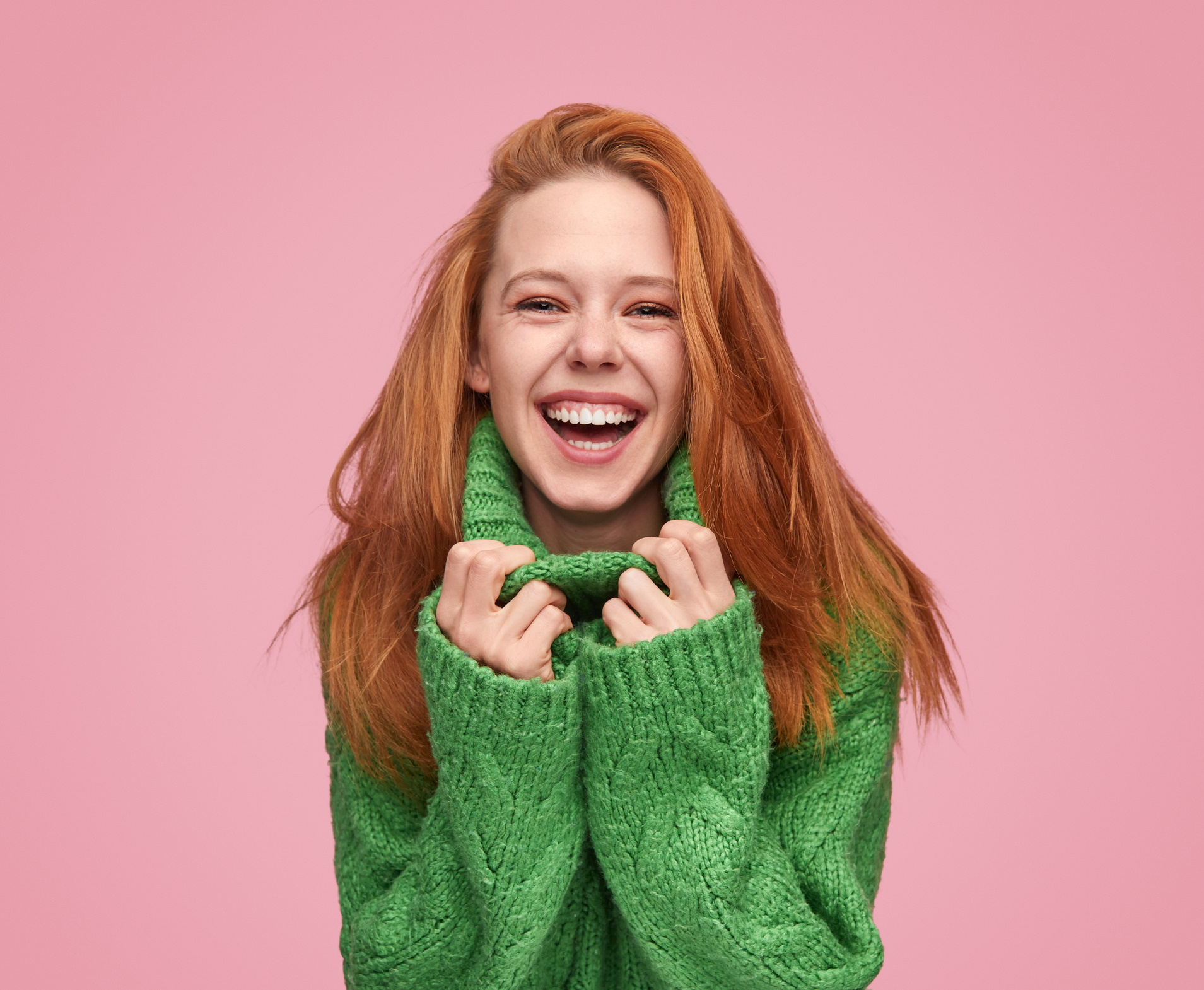 <p><strong>Зелено</strong></p>  <p>Свързваме зеленото с парите и зеленчуците, но учените казват, че хората, предпочитащи този цвят, обичат да са на открито и имат желание да чувстват сигурност. Зеленото се свързва с успеха, има и успокояващ ефект.</p>