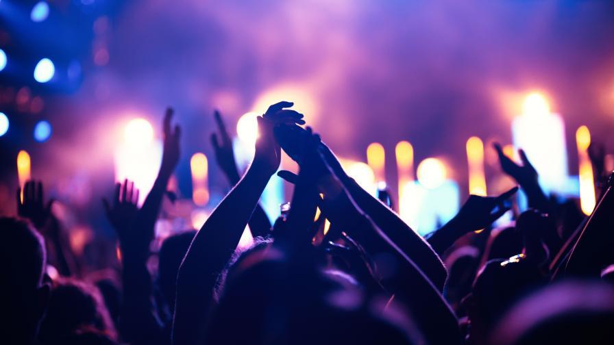 Два концерта, над 55 000 души публика - само 6 заразени