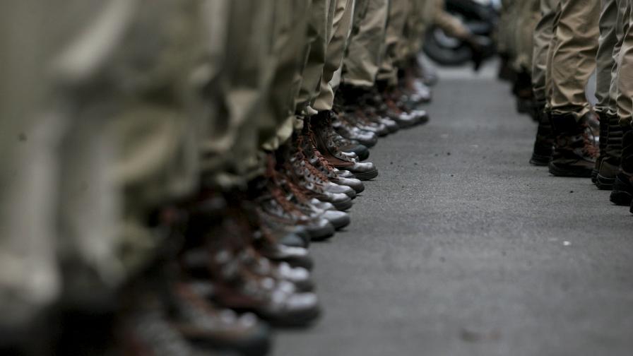 Военни и техника на НАТО преминават през България за участие в учение