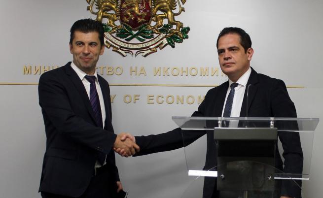 Служебният министър на икономиката Кирил Петков пое поста от Лъчезар Борисов