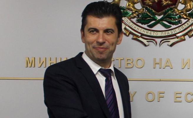 МВнР е изпратило запитване за канадското гражданство на министър Кирил Петков