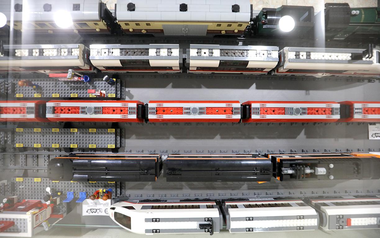 <p>Представена е уникална колекция от LEGO влакови модели от периода между 1983 и 2021 г.</p>