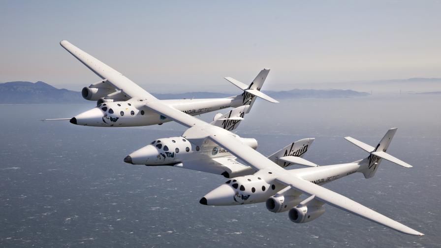 VSS Unity и своя носител самолетът WhiteKnight Two