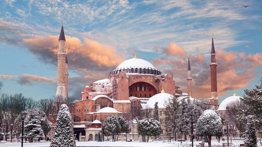 Сняг през юни в Турция