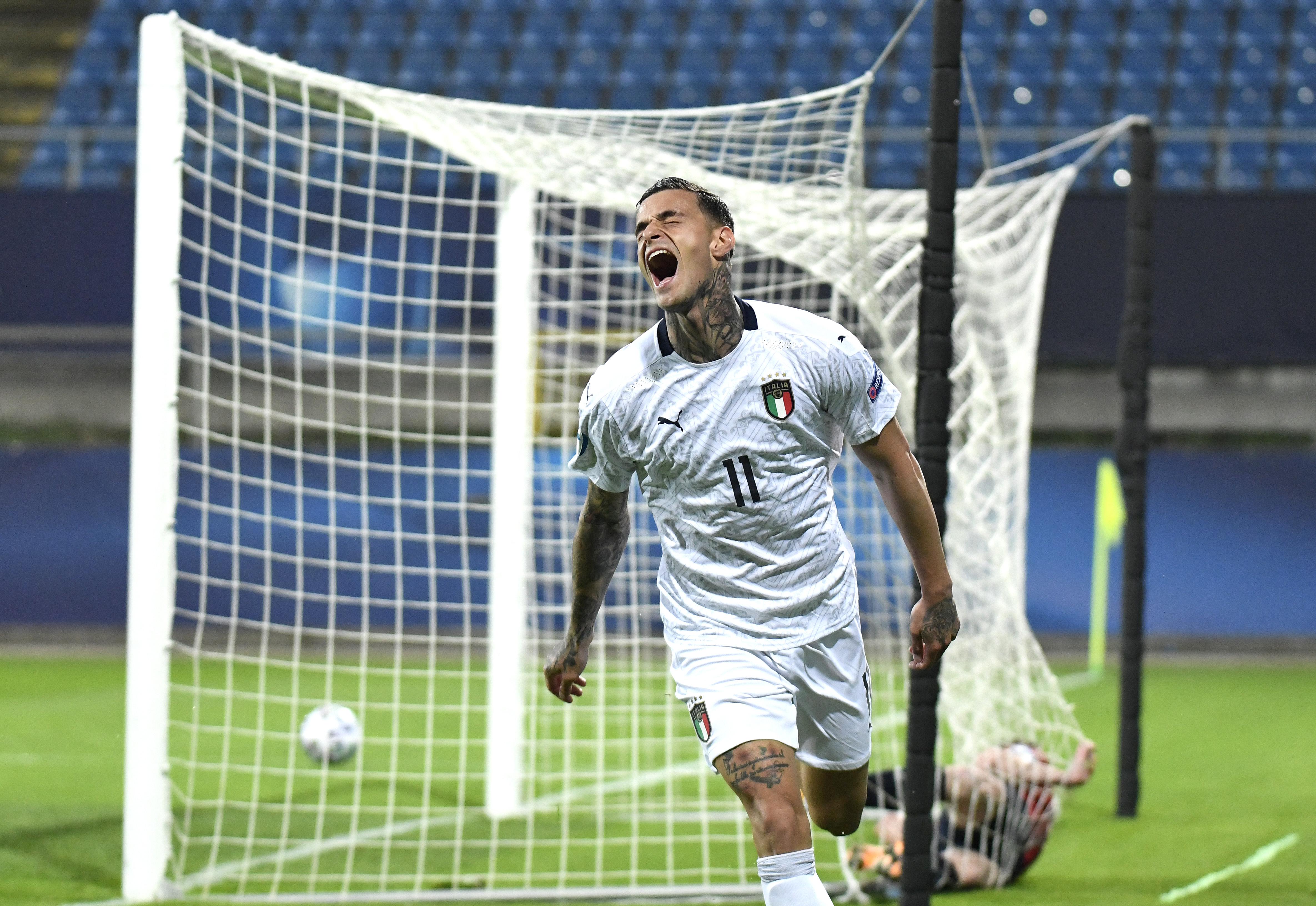 <p><strong>Джанлука Скамака</strong><br /> Държава: Италия<br /> Години: 22<br /> Позиция: нападател<br /> Отбор: Дженуа (под наем от Сасуоло)<br /> Джанлука отбелязва 6 гола и 2 асистенции в общо 9 мача в европейските квалификации. С участието си в Серия А този сезон той отбелязва 4 гола в 19 участия. През януари Ювентус проявяват интерес към футболиста и искат да го купят за 20-25 милиона евро, но преговорите се разпадат. &nbsp;</p>