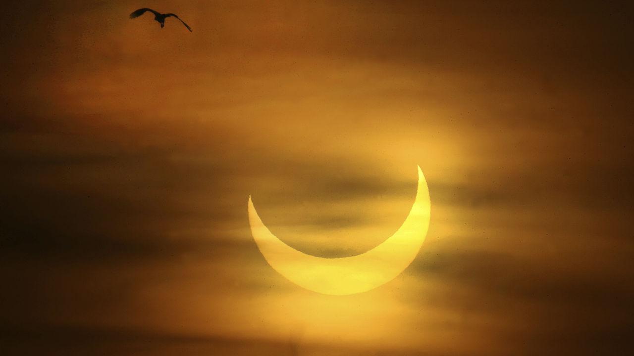 <p>Пръстеновидното слънчево затъмнение в Плимут</p>