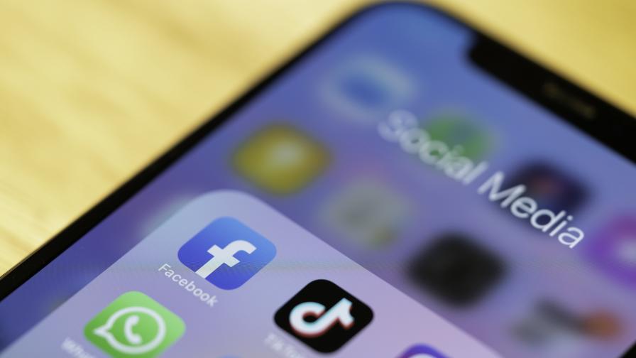 Русия наложи тежки санкции на Facebook и Telegram, ето защо