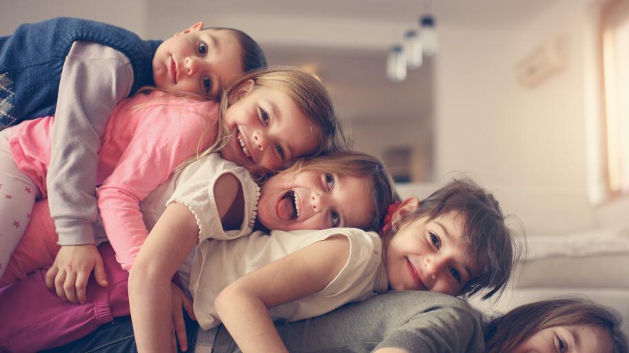 Първородните деца са лидери - мит ли е редът на раждане?