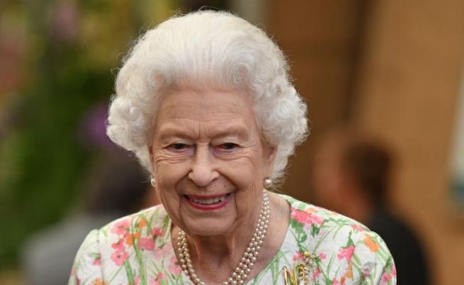 Военен парад, но без пищност за рождения ден на Елизабет II