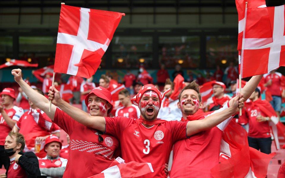 Националните отбори на Русия и Дания приключват кампанията си в