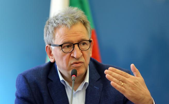 Кацаров: Спокойствието е измамно, не контролираме епидемията