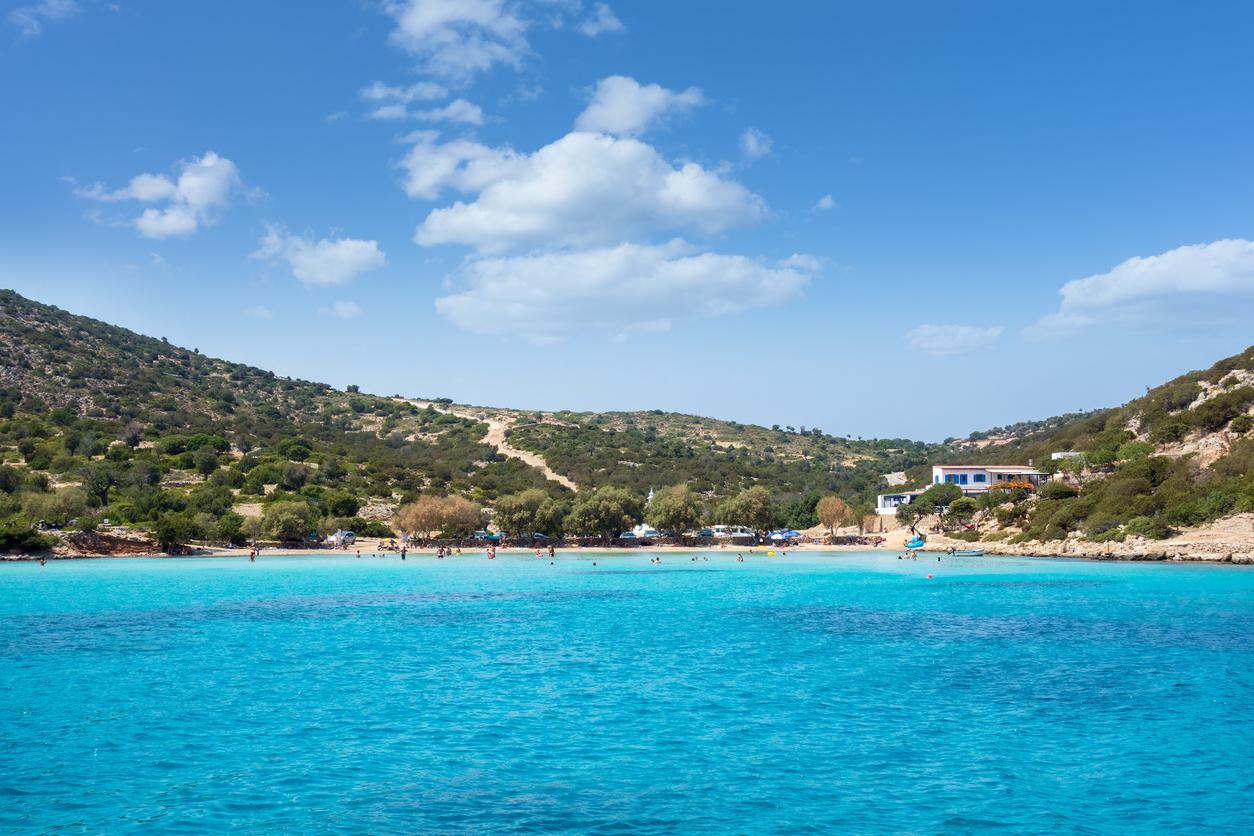 <p>Липси - Местните ще ви кажат, че този малък остров е получил името си, защото тук красивата нимфа Калипсо е задържала Одисей, отлагайки пътуването му до Итака.</p>