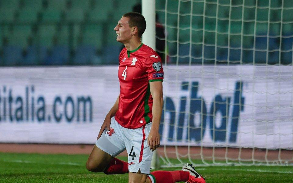 Бъдещето на младия български бранител Валентин Антов във футболно естество