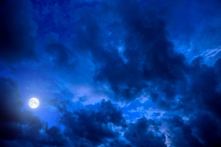 нощ небе луна