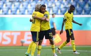 """ГЛЕДАЙТЕ НА ЖИВО: Швеция 1:0 Словакия, """"тре крунур"""" поведоха от дузпа"""