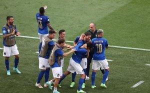 Няма слабо: Италия развинти и Уелс и излезе безгрешна от Група А
