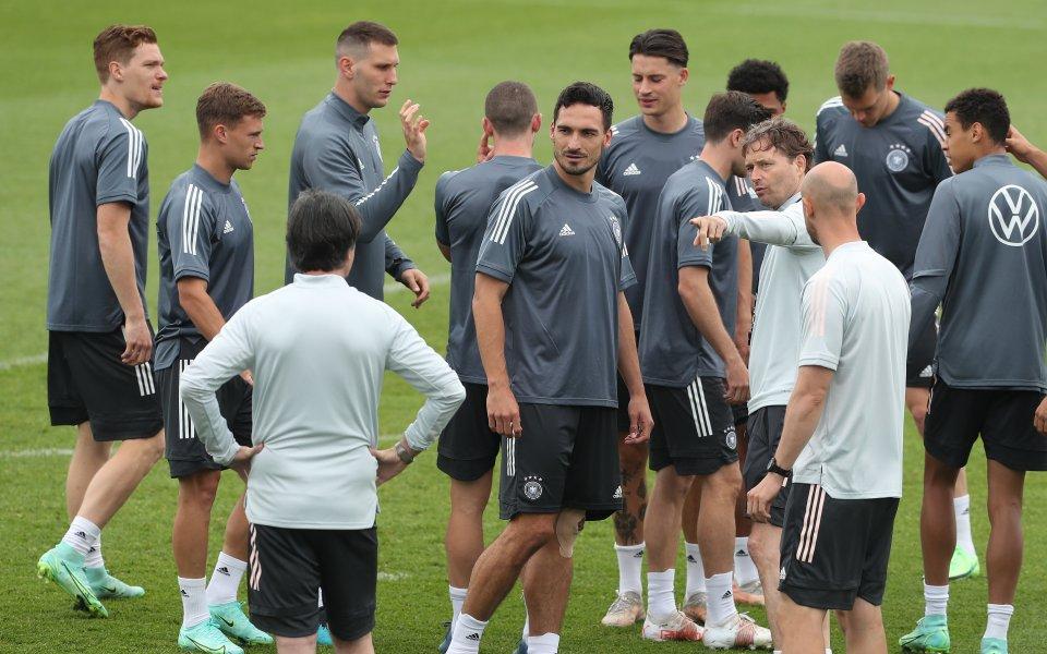 Германският национален отбор ще излезе в черно днес в Мюнхен